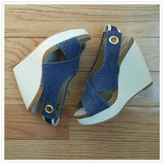 Splendid Dani Platform Wedge Sandals Stylish and comfortable! The metal ring detail adds a nice nautical feel to these wedges. Elastic slingback make these easy to slip on and off. New without box. Splendid Shoes Wedges