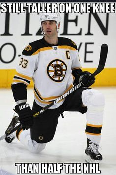 Zdeno Chara, Boston Bruins, the greatest defenseman since Bourque! Hockey Memes, Nfl Memes, Funny Hockey, Hockey Quotes, Sport Quotes, Funny Memes, Hilarious, Boston Bruins Hockey, Boston Bruins Funny