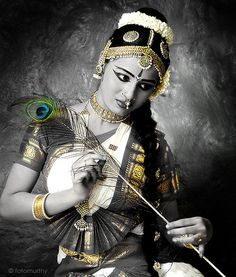 recent photo shoot of the gorgeous shilpa , this one was from her portfolio-album looks darn-retro, thought i shd share it btw of all the dance forms in. Dance Paintings, Indian Art Paintings, Oil Paintings, Watercolor Paintings, Dancing Drawings, Indian Photoshoot, Indian Classical Dance, Dance Poses, Dance Pictures