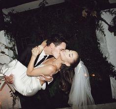 Home Wedding, Wedding Pictures, Wedding Ceremony, Wedding Night, Wedding Veil, Garden Wedding, Wedding Blog, Ariana Grande Fotos, Vera Wang Gowns