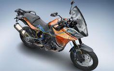 """KTM KTM 1190 Adventure R, la prima moto col controllo di stabilità Bosch KTM 1190 Adventure R - La maxicrossover austriaca sarà equipaggiata con il nuovo Bosch MSC, un dispositivo che """"migliora"""" il lavoro dell'ABS evitando il bloccaggio delle ruote anche in curva. Ecco il video di presentazione"""