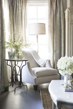 In Good Taste: Grey & White | Nantucket Style - Nice for reading corner