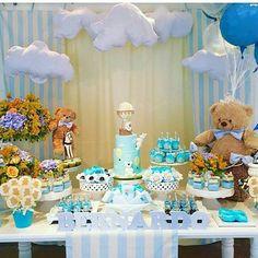 E para começarmos, chá de bebê ursinhos baloeiros. Uma graça ! Por  @missfestinhas #chadebebe #chádebebê #chadebebemenino #chadebaby #chadefraldas #chadefralda #chadefraldasmenino #festainfantil #babyshowers #babyshower #igdefesta #instafesta #pregnancy #gravidademenino #festabalao #festaursinhosbaloeiros #festeiras #16semanas #18semanas #20semanas #bomdia #bomdiaa #chadebaby #babycha #inspiração #instagravida
