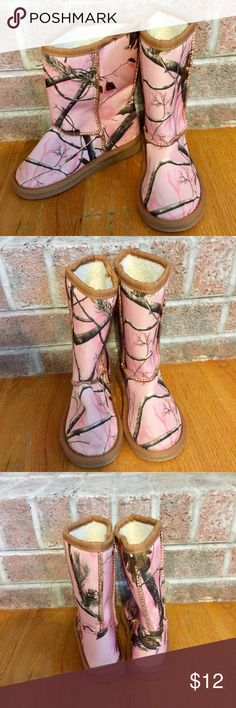 Girls Size 12 realtree camouflage boots Please feel free to ask any questions or make an offer, and as always THANK YOU for shopping my posh closet! Xoxo -Tish Realtree Shoes Boots
