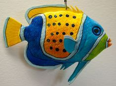 pez ángel ceñido azul - #Angel #AZUL #ceñido #pez Fish Crafts, Rock Crafts, Diy And Crafts, Arts And Crafts, Paper Mache Projects, Art Projects, Colorful Fish, Tropical Fish, Clay Fish