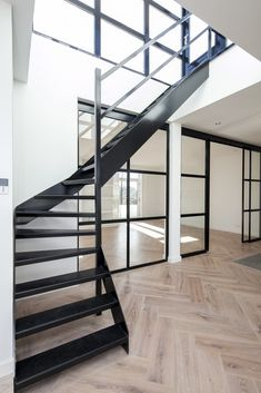bastel parket c, Condo Decorating, Interior Decorating, Interior Design Inspiration, Home Interior Design, Open Trap, Cosy House, Wood Stairs, Boutique Homes, Interior Stairs
