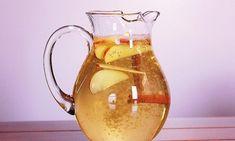 Wasser mit Zimt, Apfel und Zitrone kann schnell zubereitet werden und fördert das Wohlbefinden.