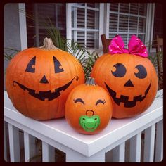 Pumpkin Decorating Ideas for Halloween pumpkin cute decorations easy painting creative ideas . Pumpkin Family, Baby In Pumpkin, Pumpkin Pumpkin, Pregnant Halloween, Baby Halloween, Halloween Pumpkins, Halloween Pregnancy Announcement, Pregnancy Announcements, Pumpkin Pregnancy Announcement