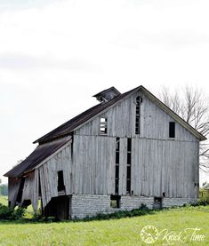Old Barn Photograph Printable - KnickofTime.net