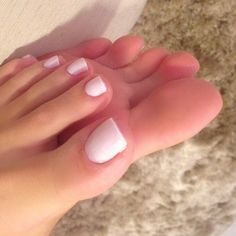 I Love female feet and sexy legs ♥ Pretty Toe Nails, Pretty Toes, Love Nails, Nice Toes, French Pedicure, Summer Toe Nails, Beautiful Toes, Feet Nails, Sexy Toes