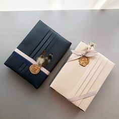Elegant gift packaging with wax seal - gifts - # . Japanese Gift Wrapping, Elegant Gift Wrapping, Japanese Gifts, Present Wrapping, Creative Gift Wrapping, Creative Gifts, Wrapping Ideas, Creative Gift Packaging, Wedding Gift Wrapping