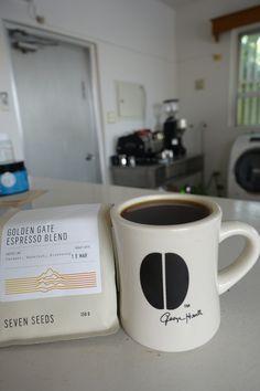 オーストラリア・メルボルン出張より   espresso blend golden gate 50% colombia san agustin カツーラ種、 ティピカ種 フリィウォッシュド生産処理 50% ethiopia kokola エチオピア在来種 フリィウォッシュド生産処理    キャラメルやブルーベリーといった 少し重甘い爽やかな風味★