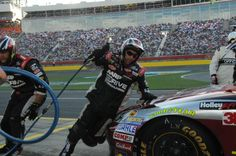 """#24 team getting the job done on pit road. #JeffGordon - """"You made it better. That #2 is good 1st couple laps."""" #Team24"""