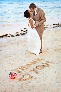 A #Fully-Packed Ideas Book for a Beach #Wedding ...