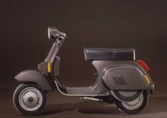 Vespa PK 125, 1983 - This replaced the Vespa Primavera (standard and ET3). The styling was new, and the PK body was completely different from that of previous scooters, because the welds of the body no longer overlapped but were integral.