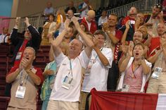I 1989 bliver Jysk Sengetøjslager hovedsponsor af Dansk Handicap Idræts-Forbund og har været det lige siden. Dermed er sportssponsoratet Danmarks længstvarende. Samarbejdet mellem Dansk Handicap Idræts-Forbund og JYSK - der dengang hed Jysk Sengetøjslager - begynder efter De Paralympiske Lege (PL) i Seoul, Sydkorea i 1988. Her høster de danske atleter læssevis af medaljer, men mangler penge. Lars Larsens kone, Kristine Brunsborg, får idéen til, at Jysk Sengetøjslager skal træde til.