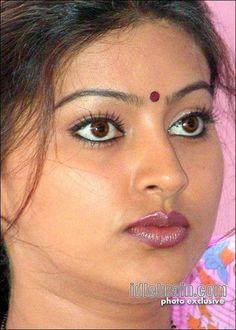 Indian Eyes, Indian Face, Beautiful Girl In India, Beautiful Lips, Beautiful Bollywood Actress, Most Beautiful Indian Actress, Beauty Full Girl, Beauty Women, Sneha Actress