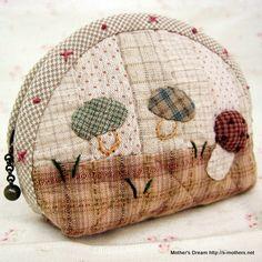 pouchmushroom by MothersDream on Etsy, ¥4200