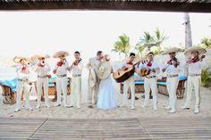 México tiene una cultura llena de tradiciones. ¿Cuáles están presentes en sus bodas? Aquí te las enseñamos.