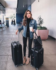 Casual Outfits With Denim Jeans To College This Fall 2018 Fashion Jeans mit Freizeitkleidung Diese Herbstuniversität 2018 Mode # die Sie # Damenmode Outfit Jeans, Outfit Chic, Jean Jacket Outfits, Outfits With Black Jeans, Denim Jacket Outfit Winter, Comfy Outfit, Elegant Outfit, Cold Outfits, Cold Weather Outfits