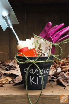 A creative gift idea this spring! A DIY chalkboard pot with gardening kit.