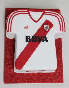 River Plate - Football Cake  Violeta Glace Soccer Cake, Soccer Party, Sport Cakes, Party Time, Birthdays, Birthday Cake, Football, Plates, Kite