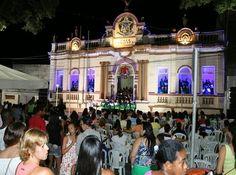 Observador Independente: CRUZ DAS ALMAS: Decoração natalina e Coral encanta...