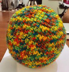 Modernizando o crochê: Bola de crochê para bebê (baby chocheted ball) COM...