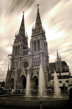 basilica de lujan argentina | File:Luján - Basílica de Nuestra Señora de Luján - 200807e.jpg