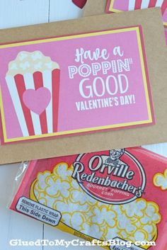 Whether for your neighbors, your child's classmates or even a complete stranger, I hope our Free Poppin' Good Valentine's Day Printable comes in handy! Kids Valentines Day Treats, Valentines Day Care Package, Homemade Valentines Day Cards, Valentine Day Crafts, Valentine Party, Diy Valentine's Treats, Popcorn Gift, Preschool Gifts, Best Valentine's Day Gifts
