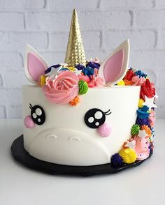 torta decorada para fiestas de unicornios