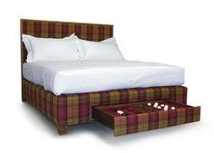 Luxury beds for interior designers, bespoke luxury beds for yachts and hotels