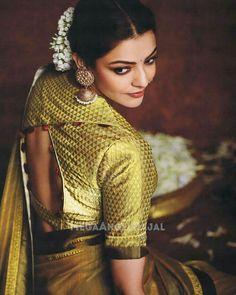 Have a look of kajal agarwal hot looking saree Blouse Back Neck Designs, Sari Blouse Designs, Blouse Styles, Blouse Patterns, Golden Blouse Designs, South Indian Blouse Designs, Choli Designs, Dress Designs, Sari Bluse