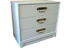 White Lacquer Bachelor chest