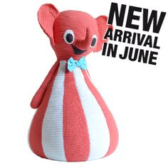 Material: Crochet. Shell: 100% Cotton. Interior: 100% synthetic wadding and bean bag filling.