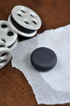 Make movie reel cupcakes for a fun movie night with this tutorial from Juniper Cakery