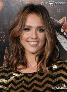 Le top coiffure : un fin dégradé de couleur, un joli carré ondulé... L'actrice est parfaite.