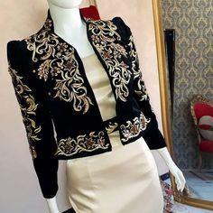 No photo description available. Couture Fashion, Hijab Fashion, Boho Fashion, Fashion Dresses, Womens Fashion, Punk Fashion, Lolita Fashion, Myanmar Traditional Dress, Traditional Dresses