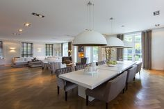 Christie's International Real Estate in Zwijndrecht, South Holland represented by Leslie D. Home, Living Dining Room, Sweet Home, Contemporary Interior, Dining Chairs, Luxury Living, Interior Design, Luxury Homes, Dining Table
