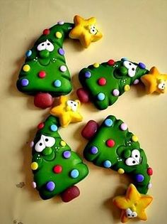Resultado de imagem para enfeites para arvore de natal de biscuit