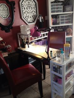 This is the manicure table that I am currently using.