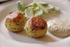 Schnelle Falafel aus Kichererbsenmehl Nutrition Tips For Vegans Vegetarian; It is defined as people who co… in 2020 Raw Food Recipes, Veggie Recipes, Vegetarian Recipes, Easy Cooking, Healthy Cooking, Lacto Vegetarian Diet, Vegan Clean, Pita, Cooking For Beginners