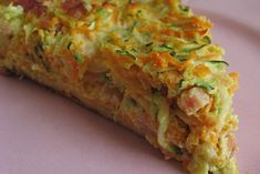Tarte à la carotte, courgette et lardons Tarte Vegan, Salmon Recipes, Food Inspiration, Food Porn, Vegetables, Eat, Cooking, Breakfast, Desserts