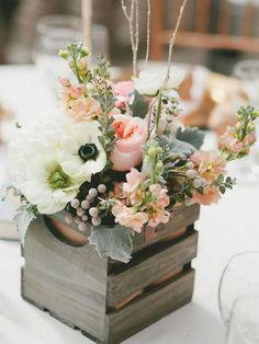 Arreglos florales con cajas de madera #arreglosfloralesparamesa