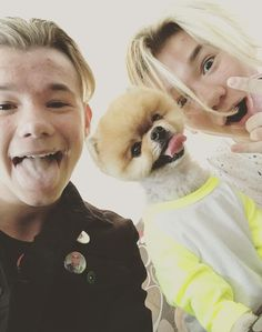 I love Marcus and Martinus both dogs ! So this is my favourite picture of them! Twin Boys, Twin Brothers, My Boys, Jiff Pom, Dream Boyfriend, Bff Tattoos, Handsome Boys, Hanging Out, Twins