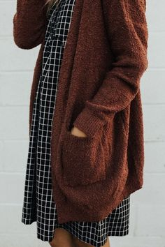 Thick Rust Cardigan - November 01 2018 at Mode Outfits, Fall Outfits, Fashion Outfits, Womens Fashion, Fashion Tips, Fashion Trends, Mode Style, Style Me, Rust Cardigan