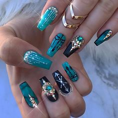 Rhinestone Nail Art ideas, American state my thats attractive. I really like the bling too once its done elegantly like this.