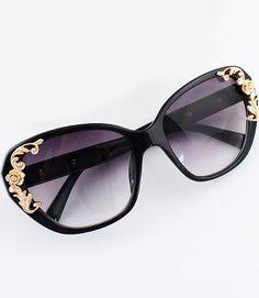 Sonnenbrille mit Metall-Blume verschönt, schwarz- German SheIn(Sheinside)