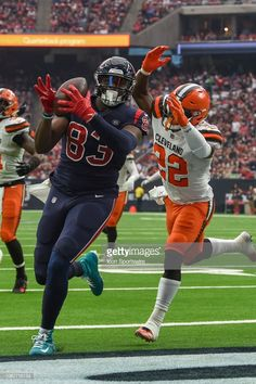 News Photo : Houston Texans Tight End Jordan Thomas makes a...