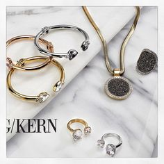 """15 To se mi líbí, 3 komentářů – Katie ✌️ (@katie_jilly) na Instagramu: """"More styling work from a couple of weeks ago. This time for #DybergKern jewellery. #propstyling…"""""""